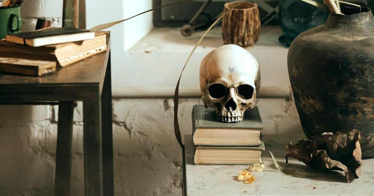 listado de las mejores editoriales de libros de miedo y terror en español